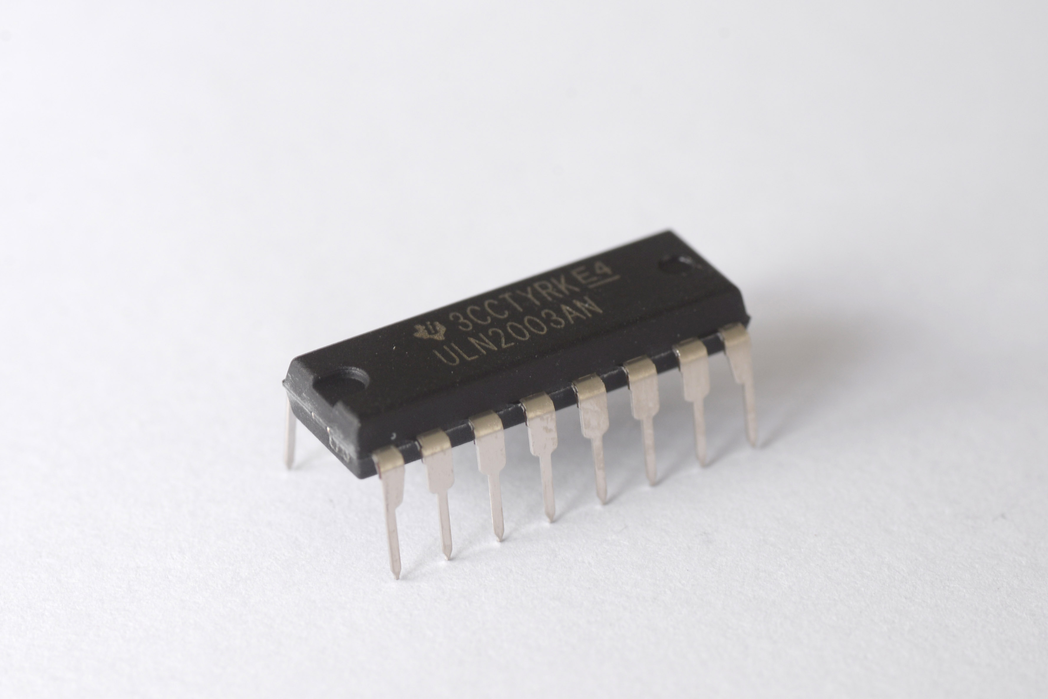 Uln2003a Phablabs 40 Electronic Circuit Jr This Integrated Ic Is A Driver For Fe Leds The Microcontroller Does Not Provide Enough Current Power Hungry